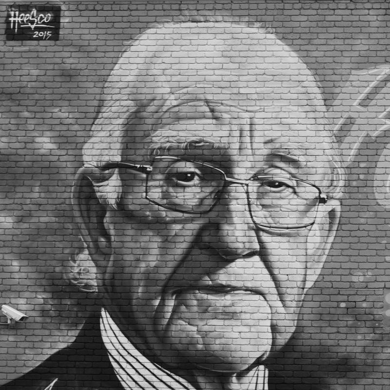 Mural of Malcolm Fraser by artist Heesco, outside the Asylum Seeker Resource Centre, Footscray. (© André Dao)