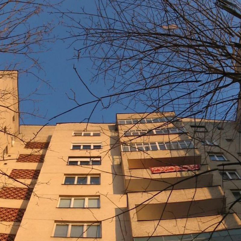 Apartment_Block_-_panoramio